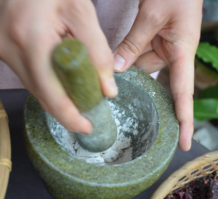 International woman's day Free Experience Herbal Ball Lesson